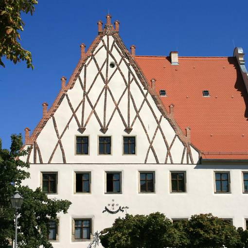Blick auf das Akener Rathaus © Annett Freudenreich
