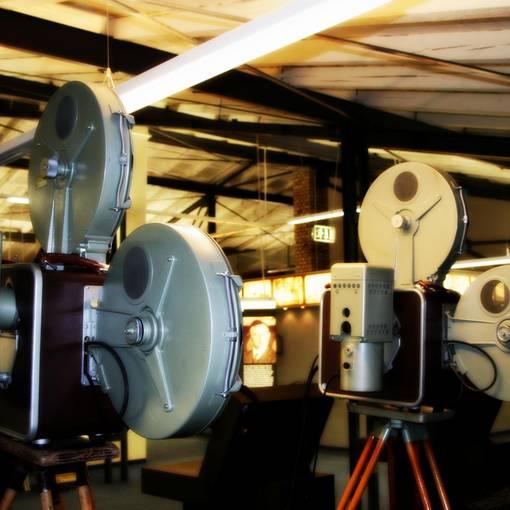 Blick auf die Kamerasammlung des Industrie- und Filmmuseum Wolfen © Annett Freudenreich