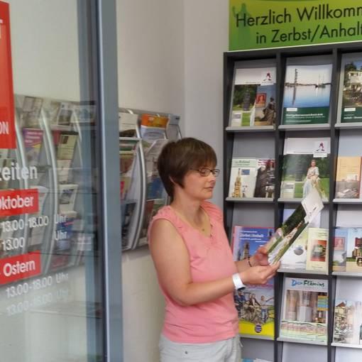 Blick in die Tourist-Info Zerbst ©Stadt Zerbst/Anhalt