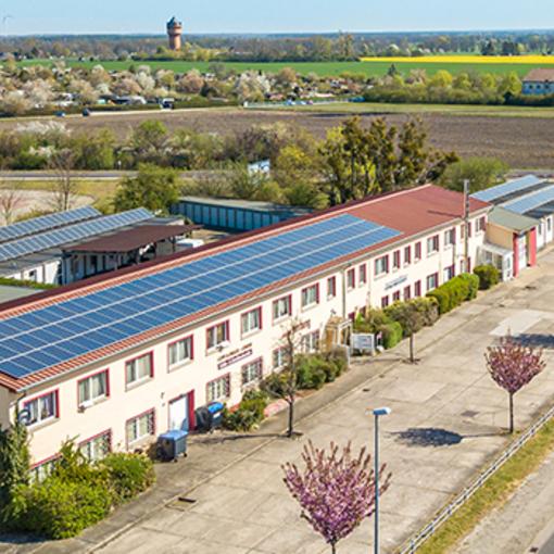 Blick auf die ASKOM Werbung GmbH in Zerbst © ASKOM Werbung GmbH